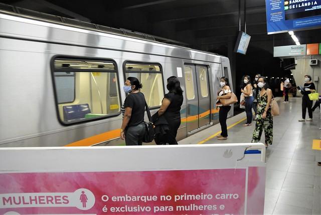 Lei protege mulheres em caso de assédio e violência no transporte público