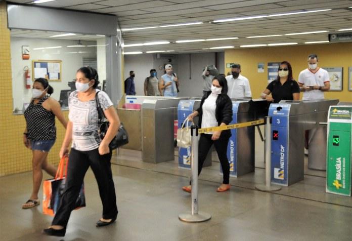 Mais de 85% da população já usa máscaras no transporte público