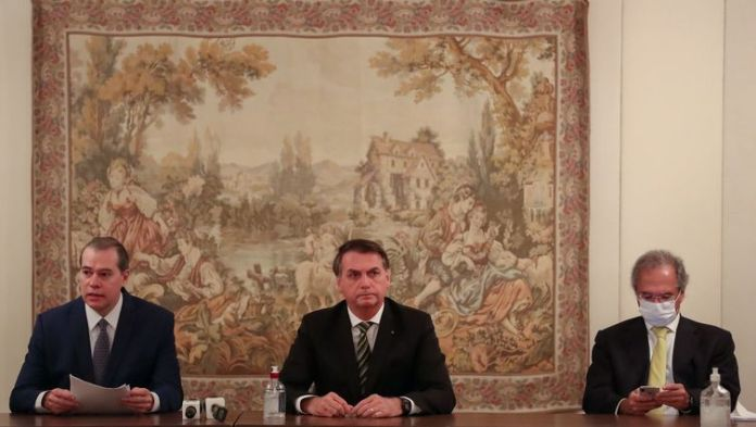 Reunião com Braga Netto, Ministro-Chefe da Casa Civil da Presidência da República; Paulo Guedes, Ministro de Estado da Economia; Dias Toffoli, Presidente do Supremo Tribunal Federal; e grupo de empresários.