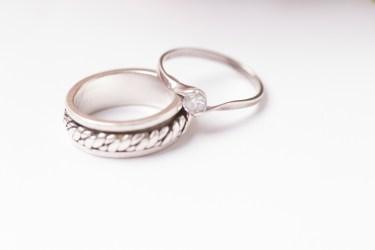 彼氏が指輪をくれないのはなぜ?理由とおねだりの方法