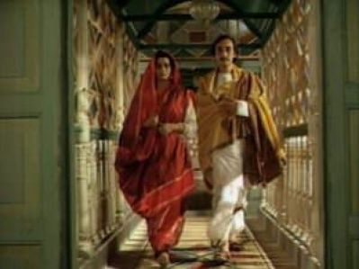 "The iconic scene where Bimala transgresses the ""home"" into the ""world"" with Nikhil"