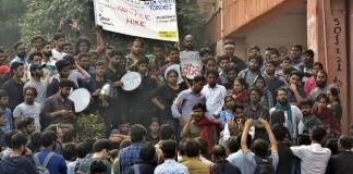 JNU Fee Hike Protests: Why do Twitterati want to #ShutDownJNU ?