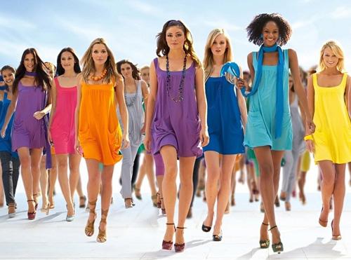 womenwalking.jpg (500×371)