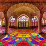 Incredible-and-Colorful-Mosque-640x320