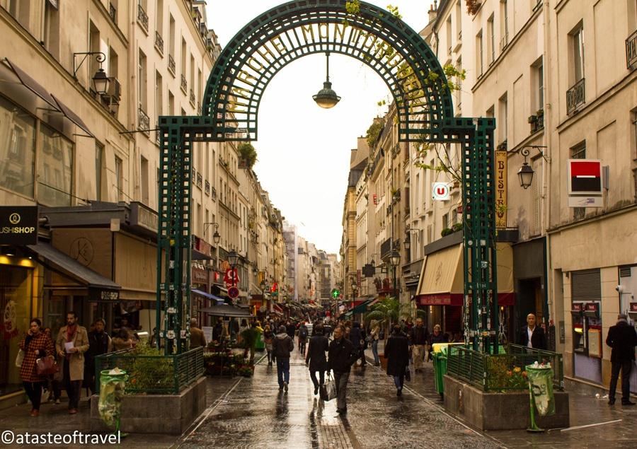 Paris, tu t'éveilles…