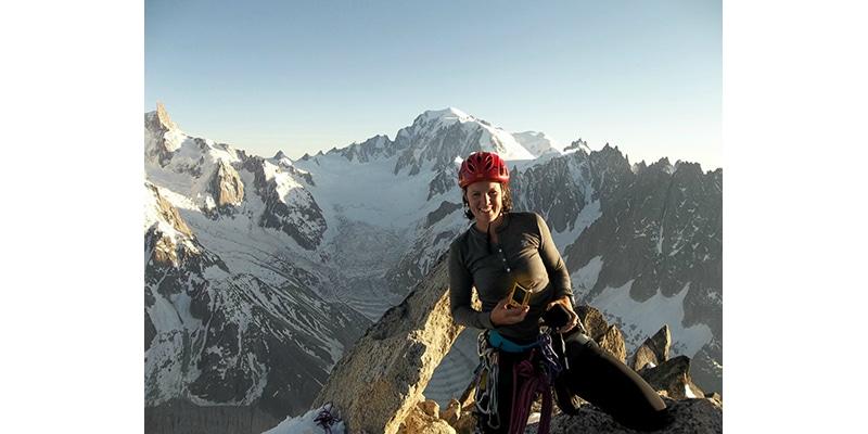 4 femmes Guides de Haute montagne aux sommets…