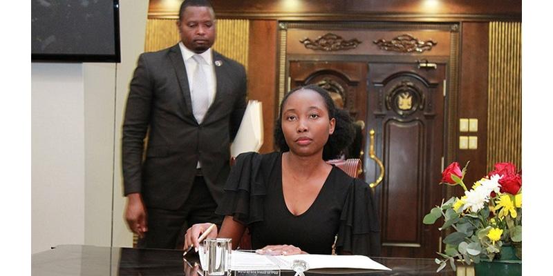 Emma Theophilus, la plus jeune ministre d'Afrique