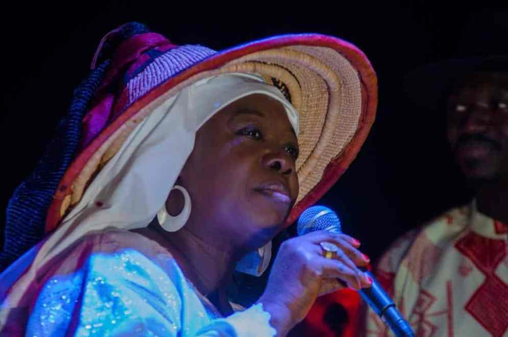 Fatou Yelly Faye-Wardini, Poétesse de la Paix.