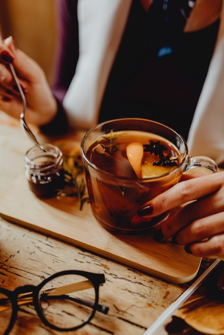 Moxibustion woman Chinese Herbs tea