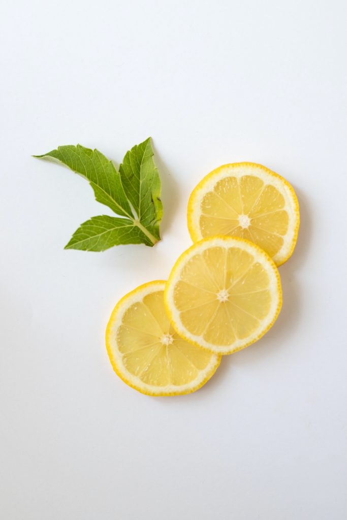 lemon slices spring detox
