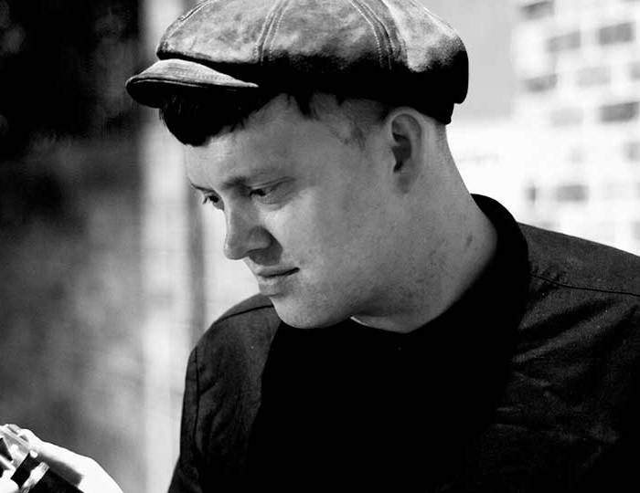"ADRIAN COX ""PROFOUNDLY BLUE"" I TELTET"