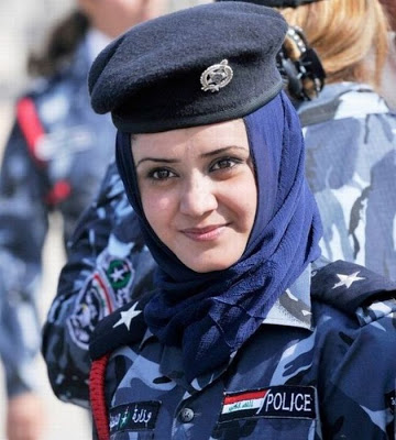 feamale-police-world-10