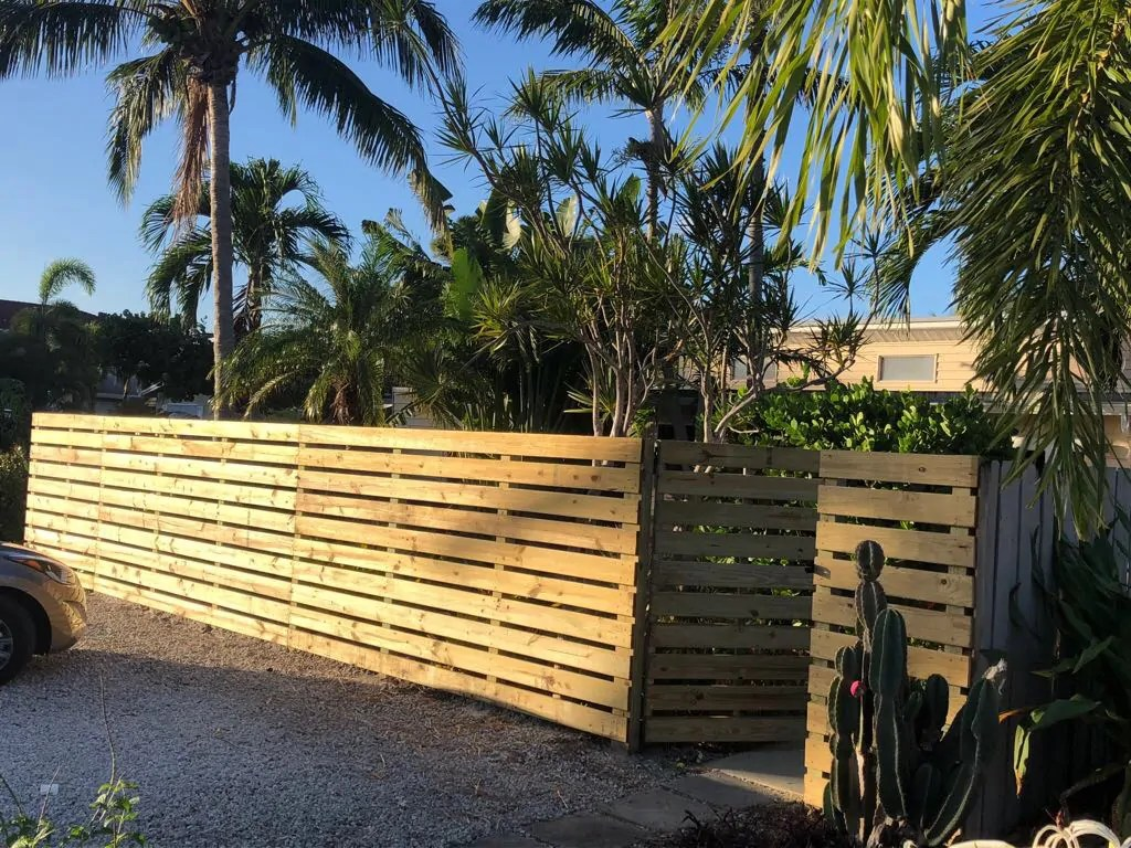 laredo texas fencing contractor