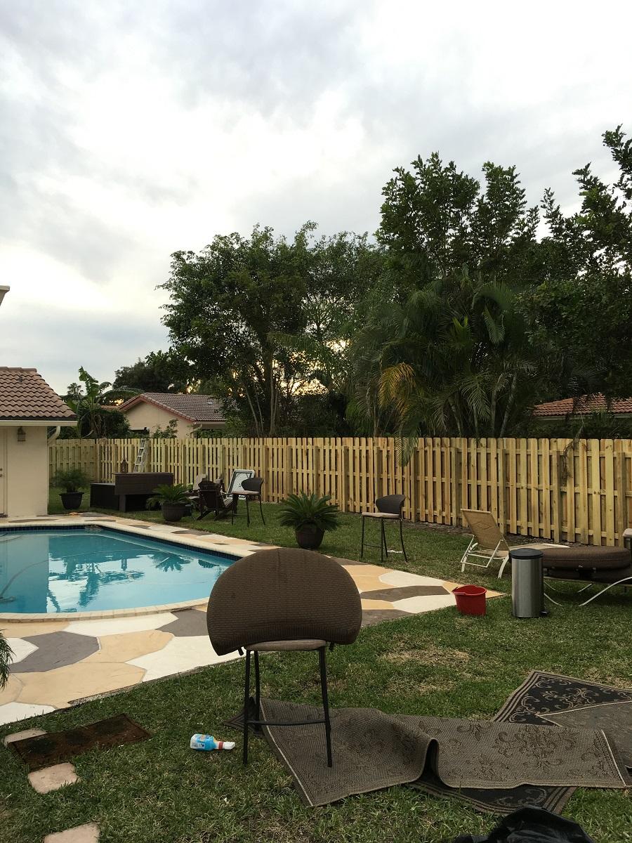 laredo tx pool fence contractor