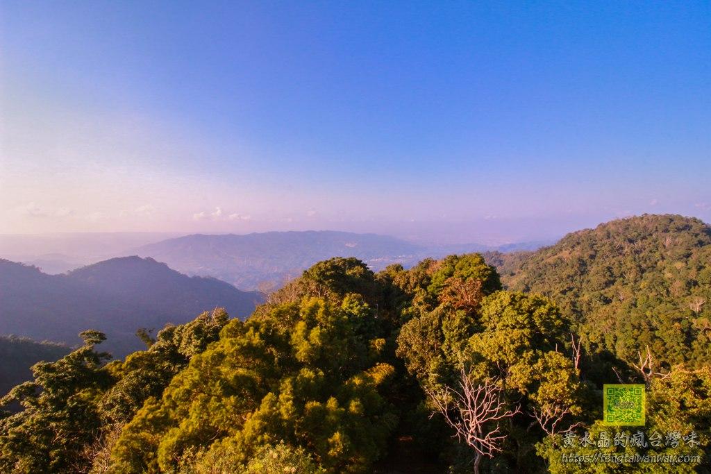 雲洞山莊觀雲海【苗栗景點】|視野360度海拔865公尺的薑麻園觀雲台;三義最佳雲海日出日落攝影點 @黃水晶的瘋台灣味