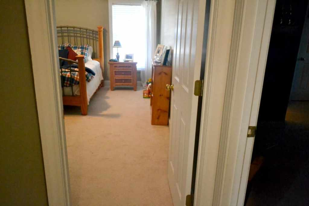 Guest Room Clean Up - Before & After. Here is what my house looked like after a family ski trip. I dove in this morning and put it all back together.