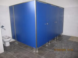 Fenólicos Mallorca - Puertas de urinario
