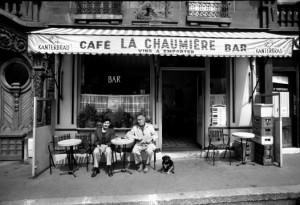 paris-cafe-bw