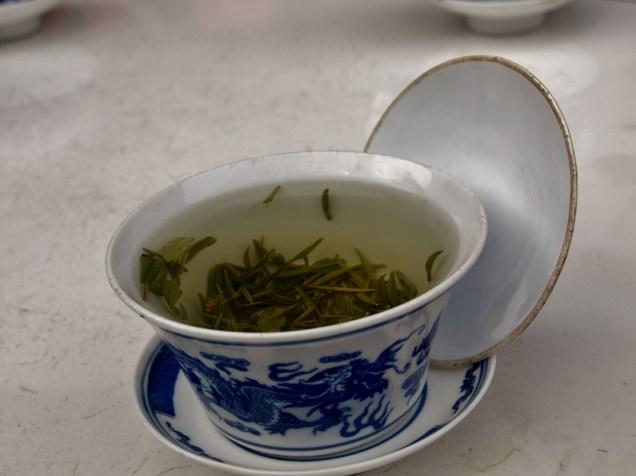thé dans une maison de thé à Luocheng