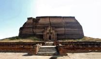Mingun, l'arrière de la pagode inachevée