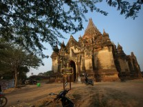 Coucher de soleil du haut du temple Thitsawady