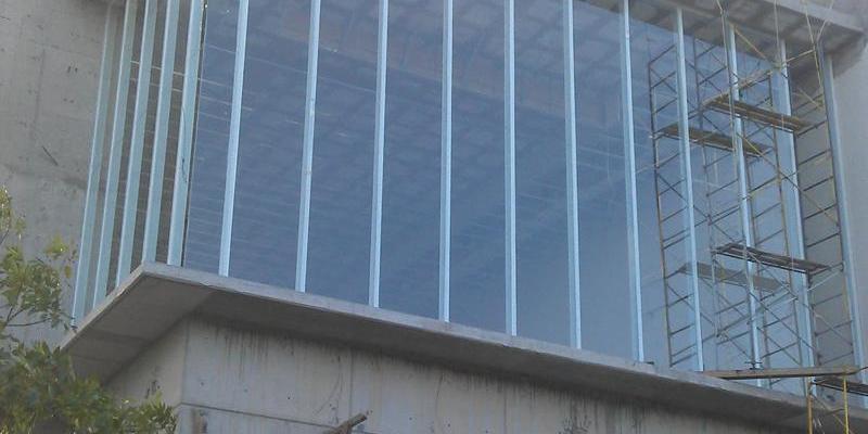 Fachada integral de aluminio y cristal
