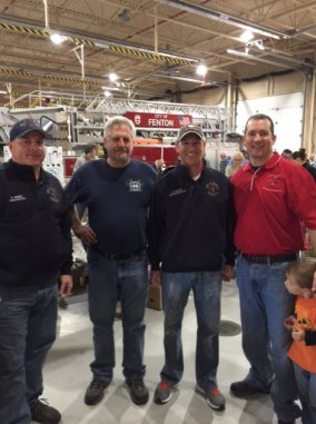 food_give_away_2016_fenton_firefighter2