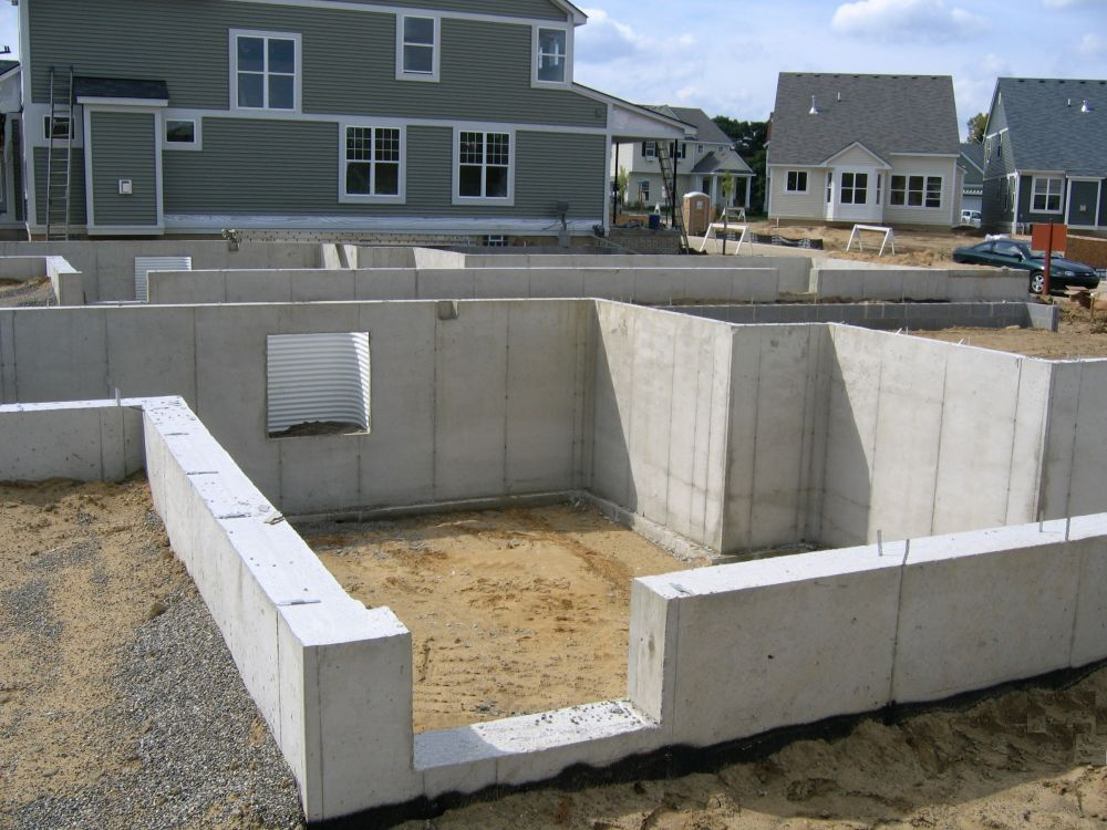 Fenton poured walls concrete contractors foundation for Basement foundation construction
