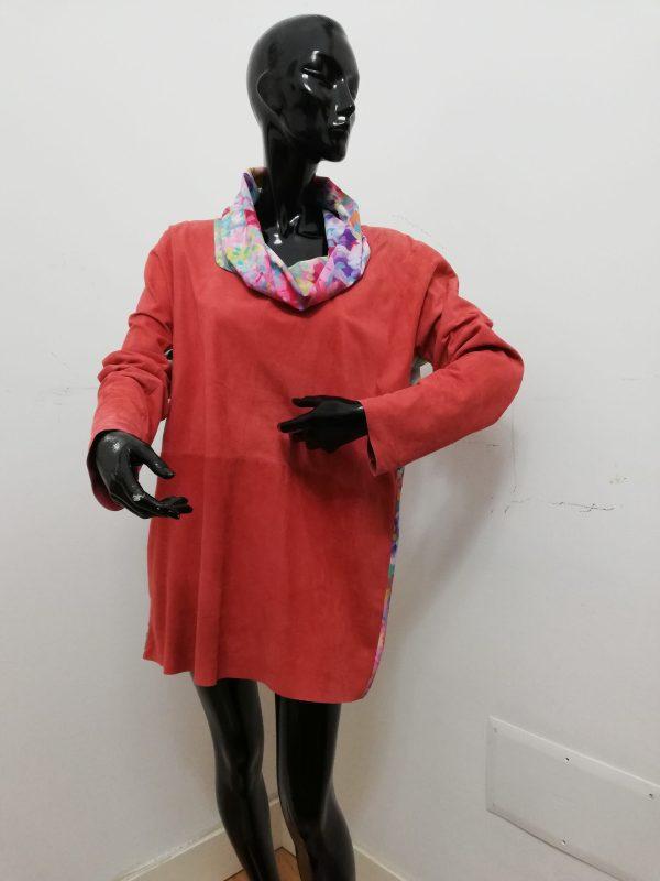 Blusa Patermo Donna in Pelle scamosciata e Vescosa a fiori, colore rosso corallo, vestitino alta qualità artigianale