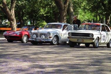 Târg de mașini de colecție în parcul de lângă Zappeion
