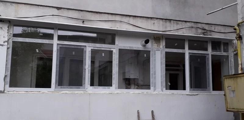 Inchiderea balconului cu tamplarie PVC Salamander