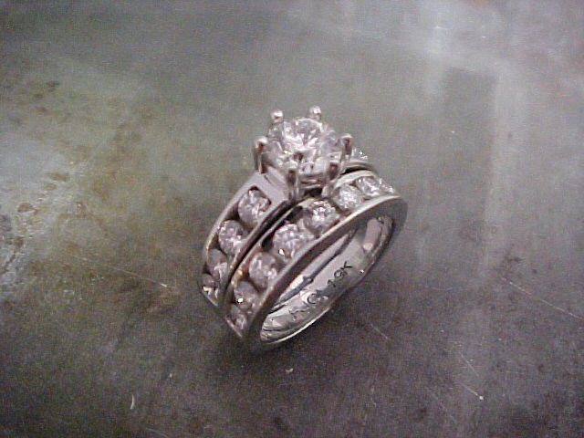 14k white gold engagement ring with matching wedding band