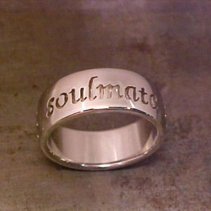 19k White gold Soulmate wedding band
