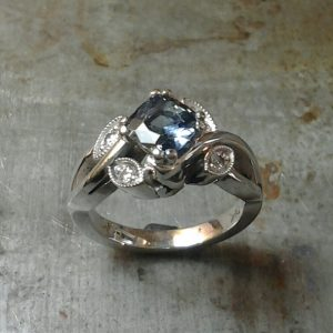 19k north south engagement ring