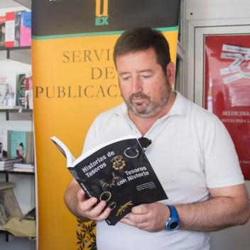 Servicio de Publicaciones de la UEx - Paco González