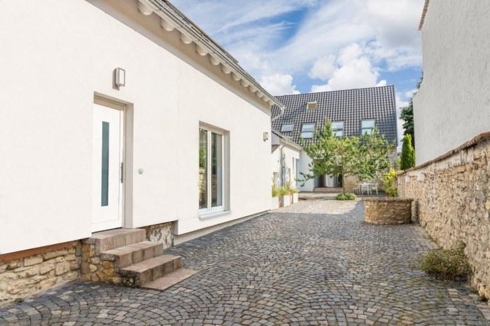 Ferienhäuser mit Innenhof in Mainz