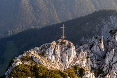 Das Gipfelkreuz der Kampenwand