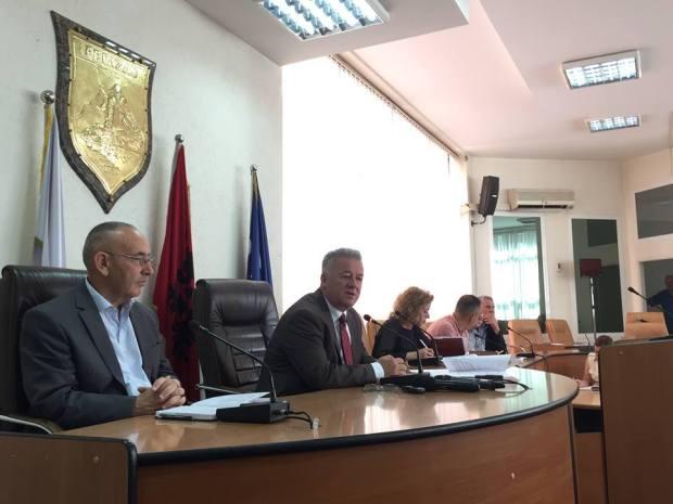 """19620516_1582716891763128_1478497633496212361_o """"Mbi një kilometra rrugë u asfaltuan në fshatin Nikadin"""" plus 5 more Ferizaj Press"""