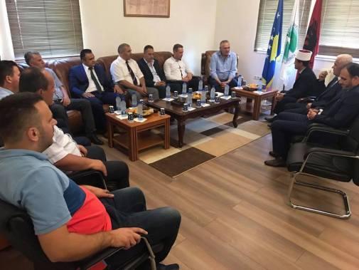 """AAK """"Udhëheqës të institucioneve dhe të partive politike me mesazhe për paqe për Festën e Fiter Bajramit"""" plus 9 more Ferizaj Press"""