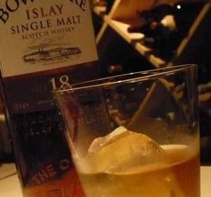 ウィスキーとグラス