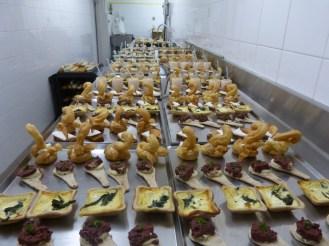préparation buffet fermier