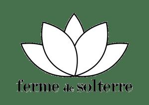 Ferme de Solterre espace de yoga à une heure de Paris. Ferme de Solterre yoga space one hour from Paris.