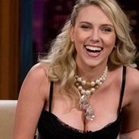 Scarlett Johansson reduce el tamaño de su busto