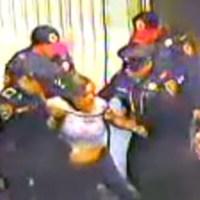 Mujer se desvanece en el Metro y los policías la echaron a la calle: murió horas después