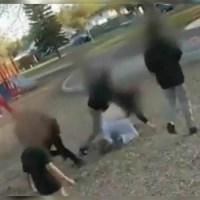 Niños atacan a mujer que los regañó porque agredían a un anciano