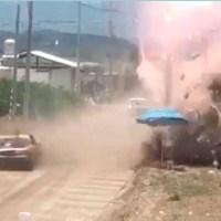 El aterrador momento en que un auto se estrelló contra el público en una carrera en Puebla