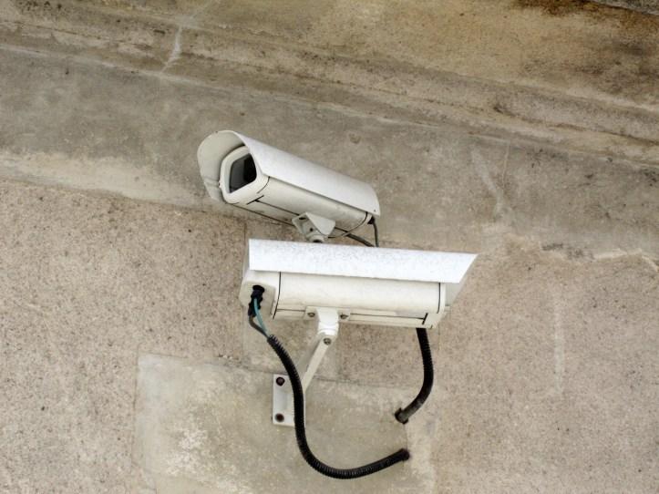 Caméras_de_surveillance_sur_la_voie_publique