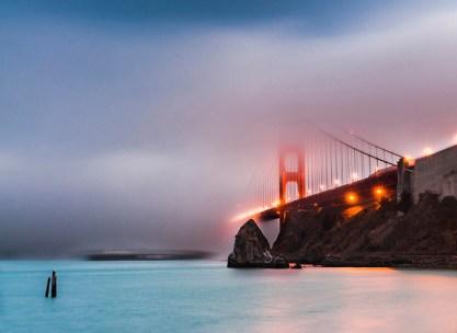 El Golden Gate sumergido en la niebla