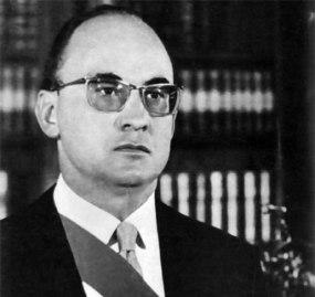 Luis Echeverría
