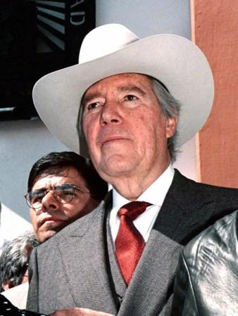 Carlos Hank